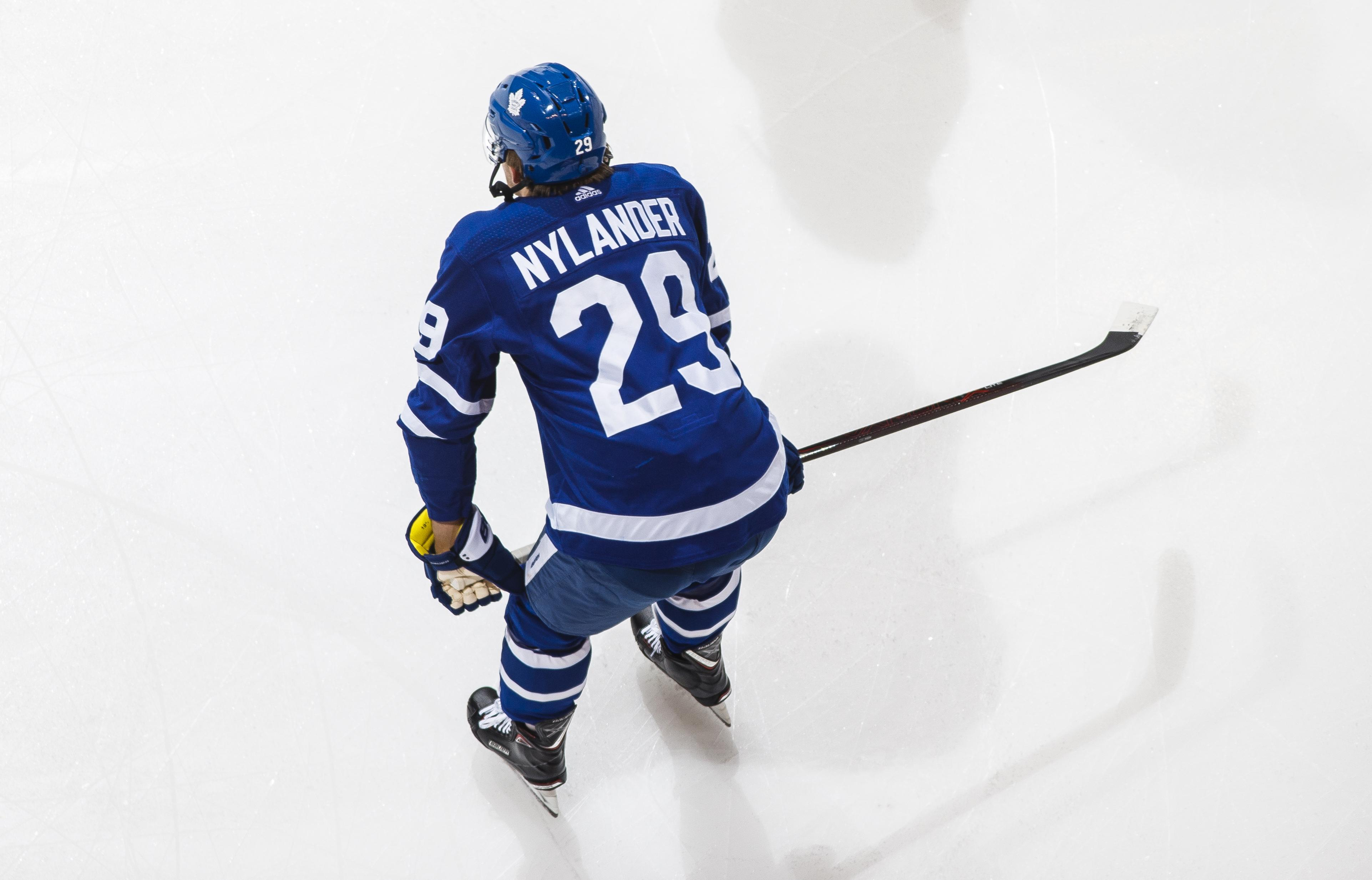 Nylander Sign or Trade and the Inconsistent Oilers