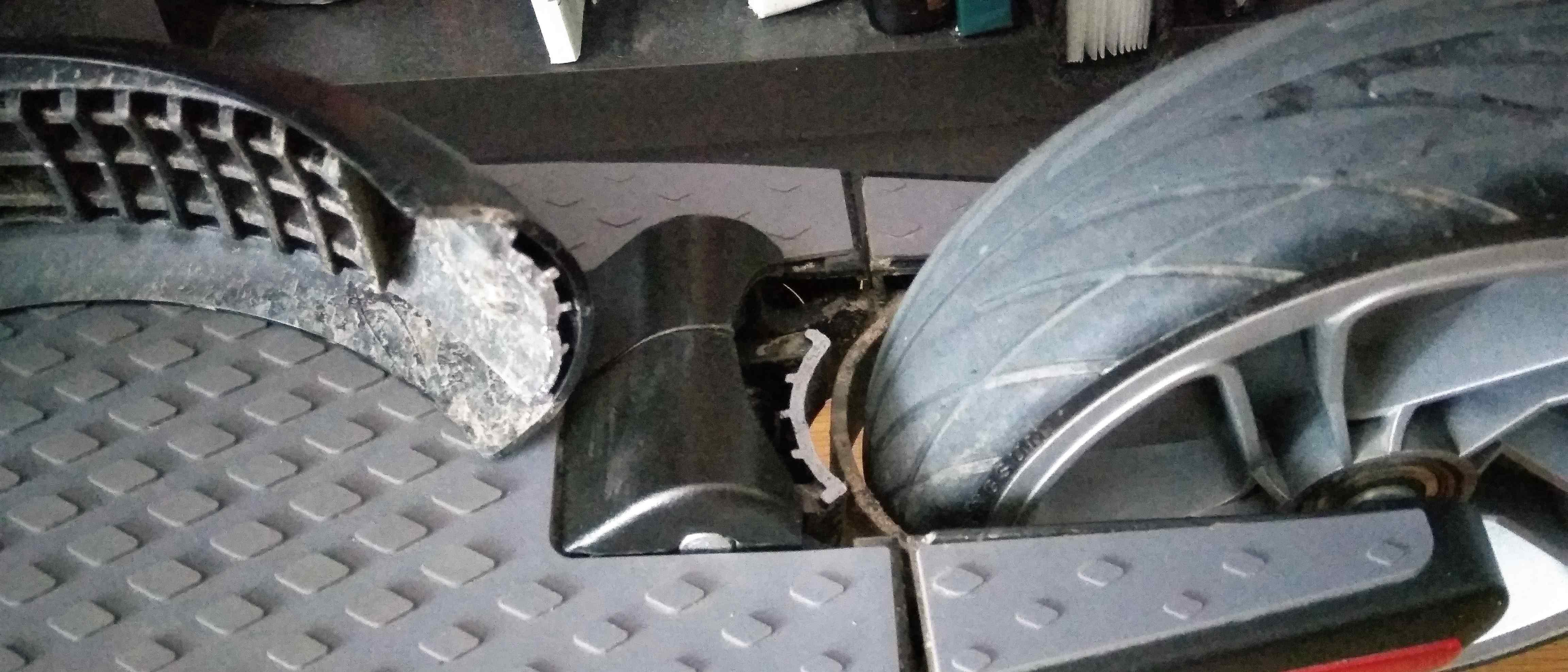 Ninebot S2 - rear fender broke - Ninebot - Electric Unicycle