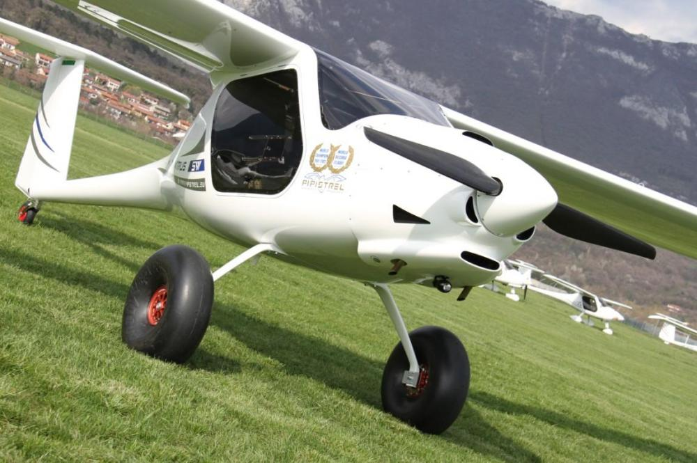 pipistrel_virus_sw_0008_tailwheel_with_tundra_tires.jpg