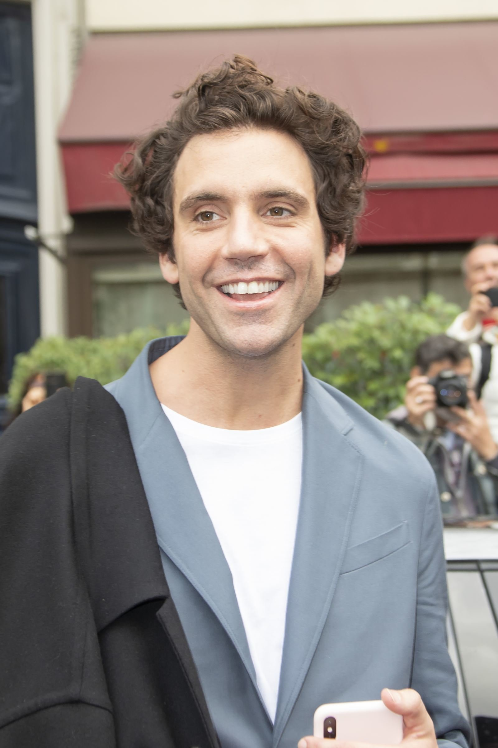 Mika attends Valentino S/S 2020 on Sept. 29, 2019 - Page 2 - Mika ...