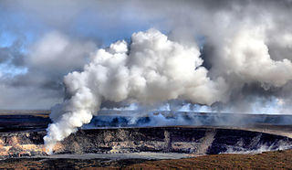 320px-Sulfur_dioxide_emissions_from_the_Halemaumau_vent_04-08-1_1.jpg