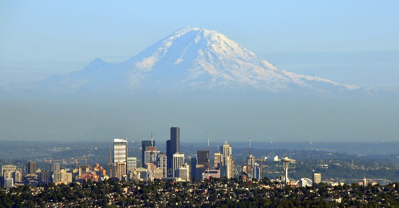 Seattle Mt Rainier View.jpg