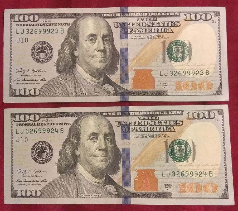 $100 Bills --Two with Desending Serial Numbers.jpg