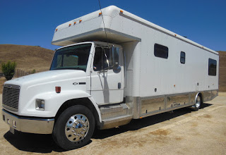 2001 Freightliner FL70 Super C Motorhome - RVs, Tows, and