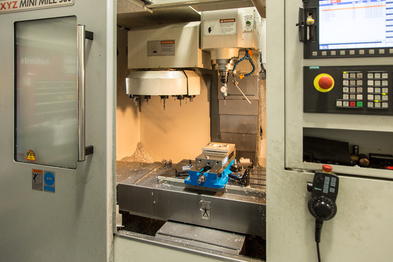 CNC_machine_MG_0995-Edit.jpg