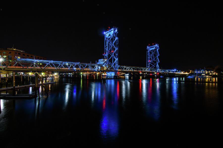 memorial-bridge-blue-tim-kirchoff.jpg.5f82103b6d2df0ea272123eac84863ab.jpg