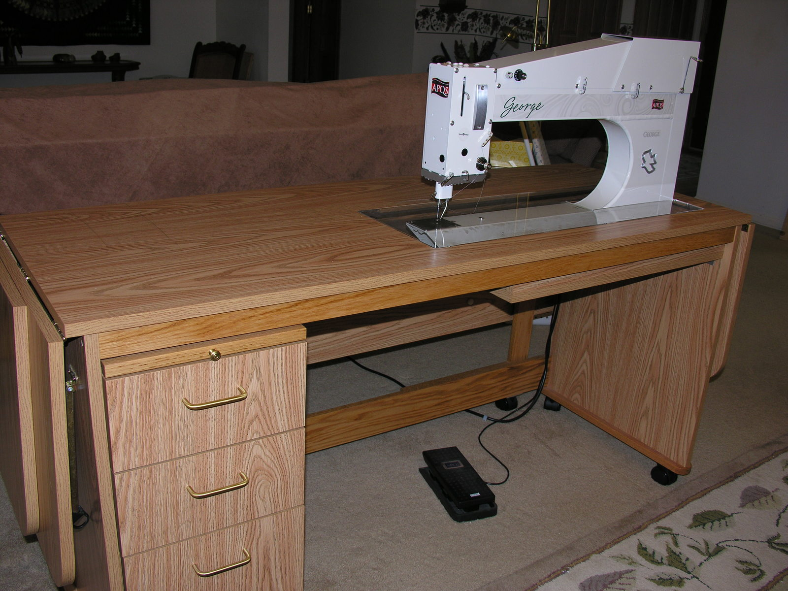 George for sale with Tracy table - George Quilting Machine - APQS ... : george quilting machine - Adamdwight.com