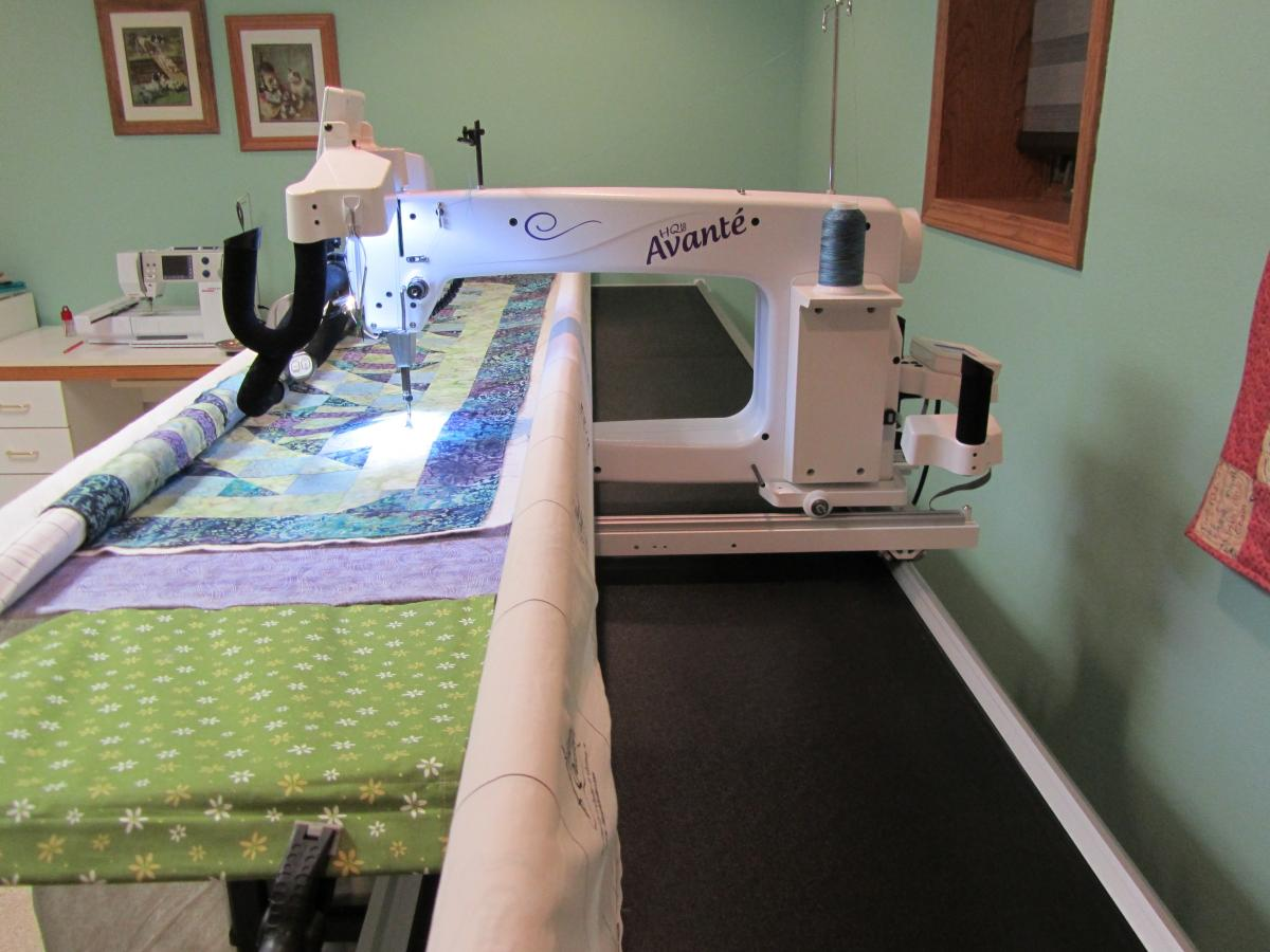 HQ 18 Avante - For Sale - Used Quilting Machines - APQS Forums : avante 18 quilting machine - Adamdwight.com