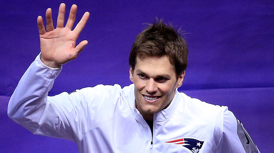 Tom-Brady-Six-Fingers-900x505.jpg