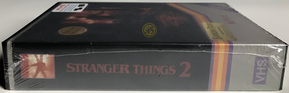 Stranger Things: Season 2 - Target Exclusive VHS Plastic Hardbox - 4K-UHD/Blu-Ray Edition