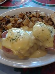 Eggs Benedict with potato hash
