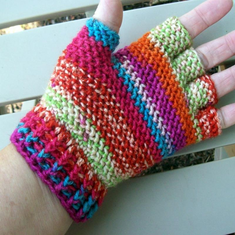 Half Finger Or Fingerless Gloves Looks Like Garter Stitch