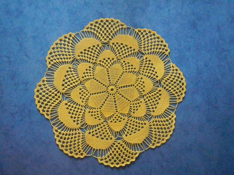 A Doily With A 3d Optic In Elisa Thread Size 20 Doilies Runners