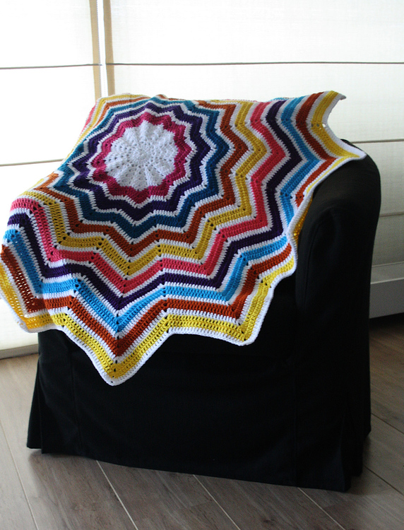 Star-shaped-crochet-blanket.jpg
