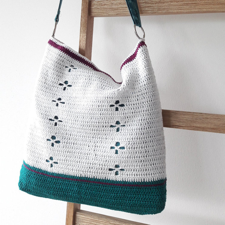 funky-fifties-bag-crochet-pattern.jpg