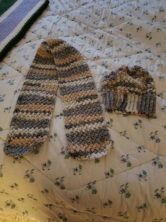 Sand bean stitch hat and scarf.jpg
