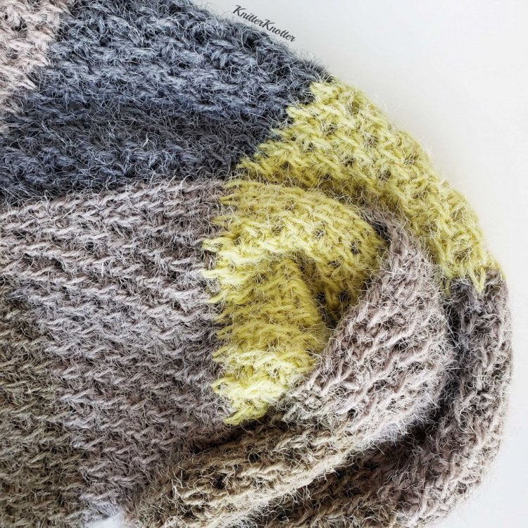 Frosty Ridge Scarf - Square 5.jpg