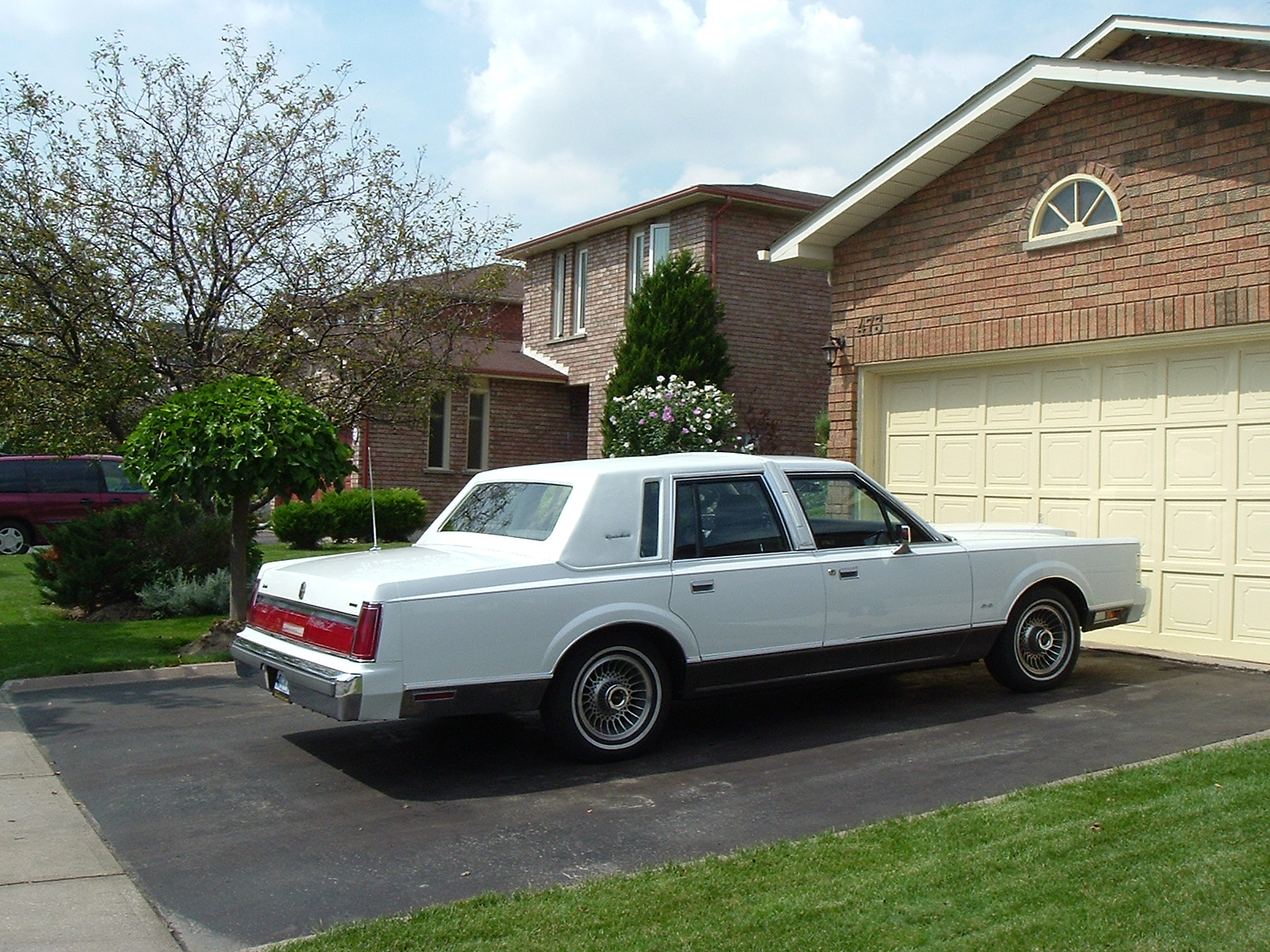 1986 Lincoln Town Car - Ford Products - Antique Automobile Club Of America