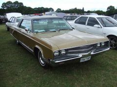 1968 Chrysler New Yorker 4 Door Hardtop