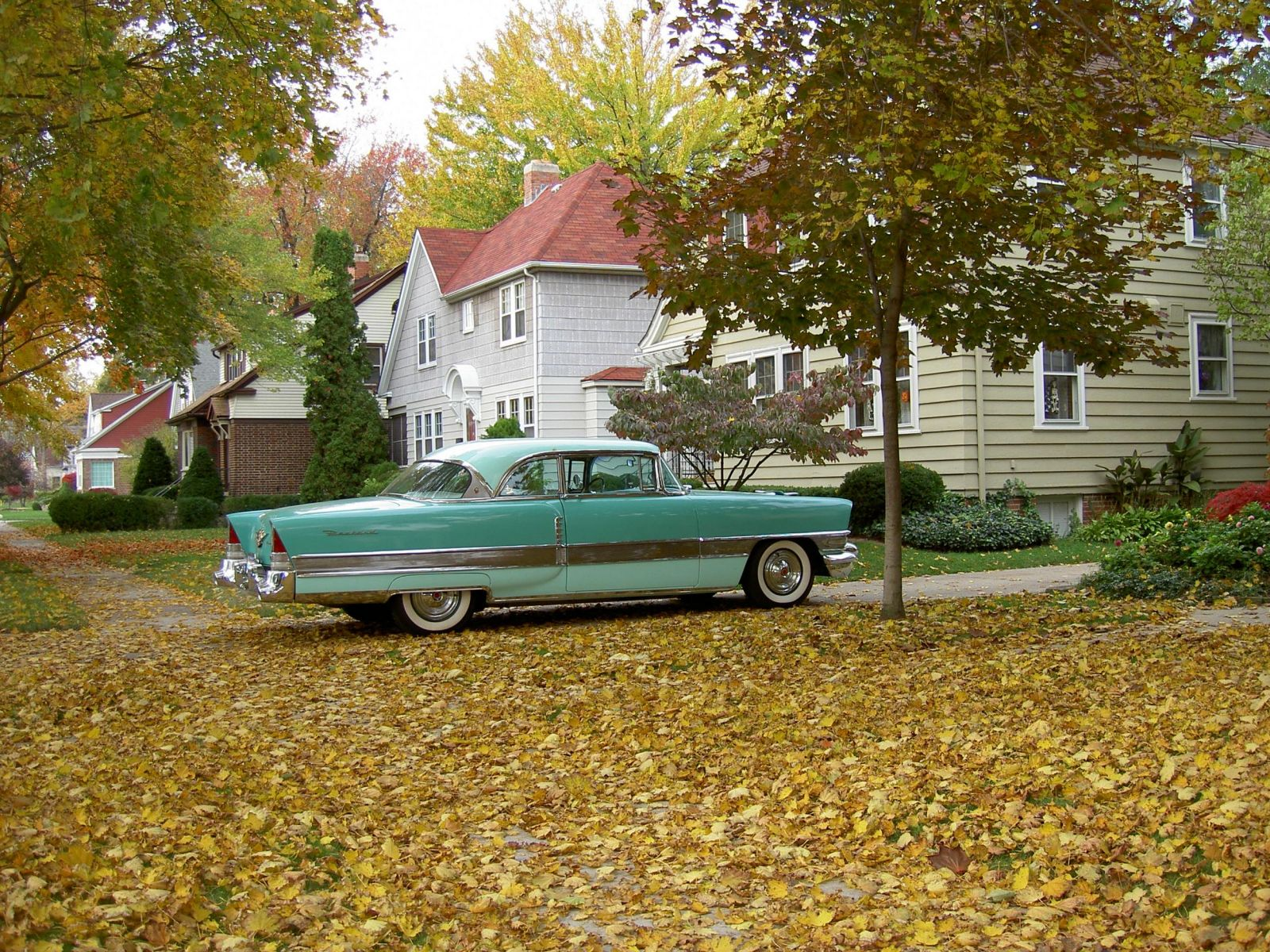 Packard_in_the_Autumn_001