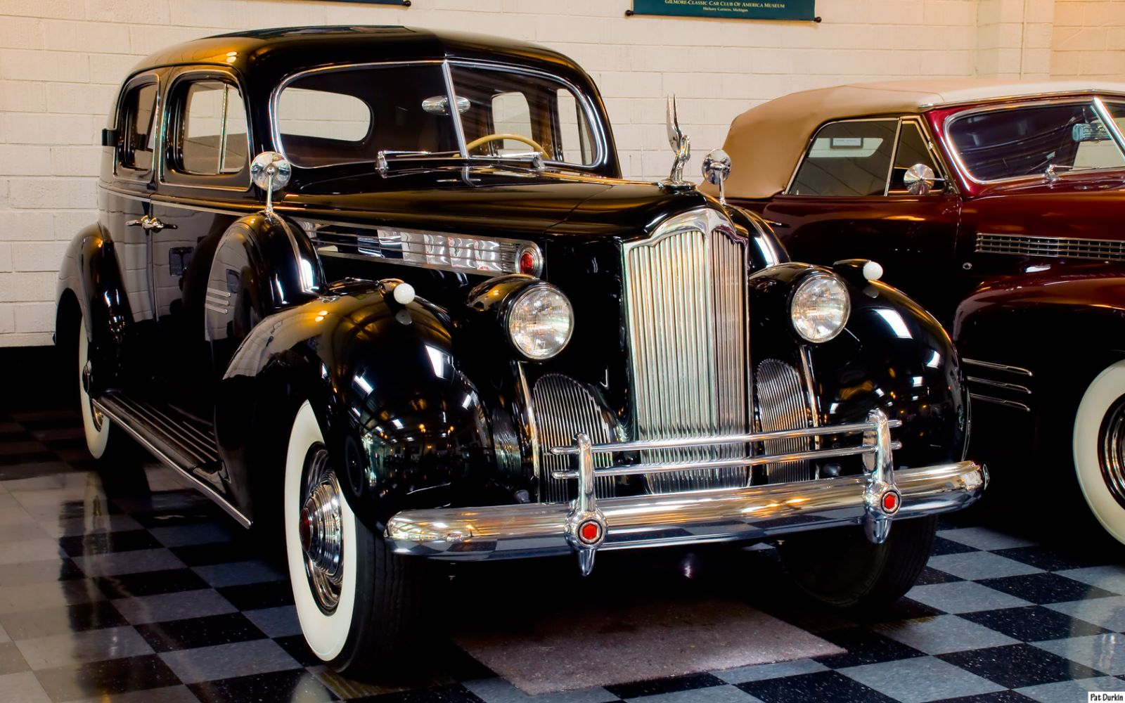 1940 Packard 1806 Club Sedan - black - fvr