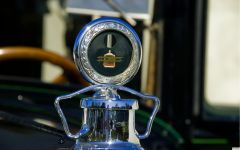 1927 Packard 6-Cylinder Touring Sedan - radiator cap