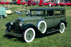 1930 Packard 726 Sedan - fvl