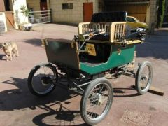 1901 Locomobile Replica