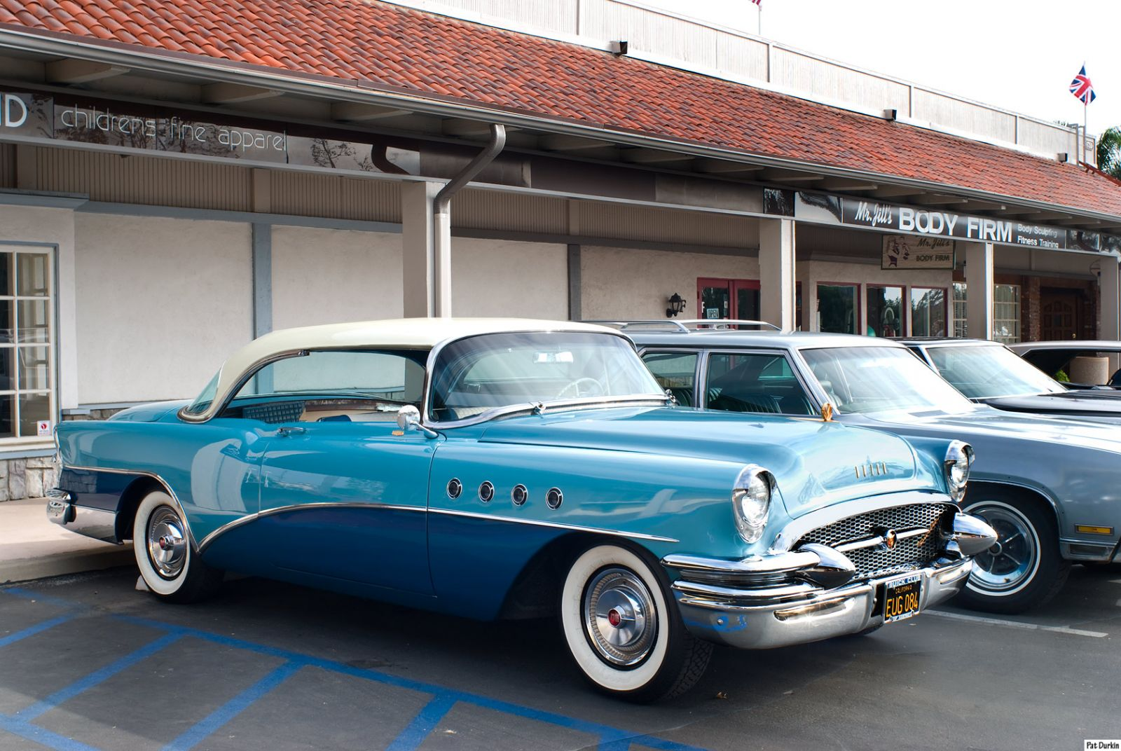 1955 buick roadmaster two door 6 passenger riviera white. Black Bedroom Furniture Sets. Home Design Ideas
