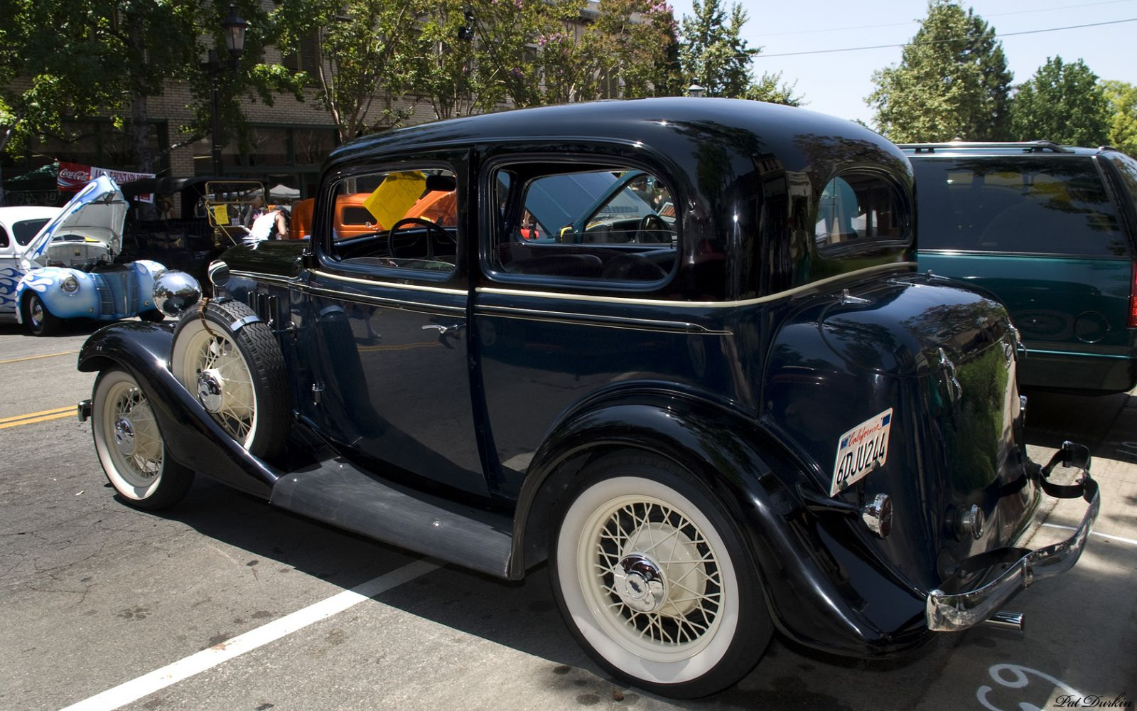 1933 Chevrolet Master Eagle 2-door sedan - blue & black - rvl1933 Chevr