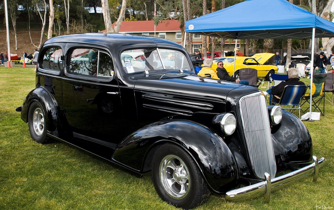 1935 Chevrolet Master Deluxe 2-door sedan - black - fvr