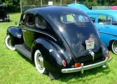 39 Ford at JazzFest '06 w/interesting plate topper