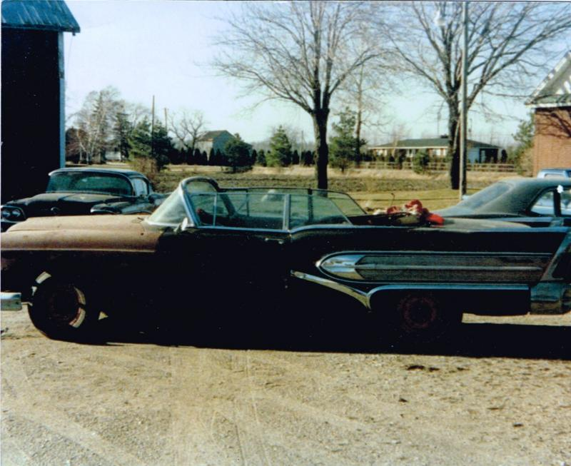 1958 Roadmaster - storage move, Leamington - Copy.jpg
