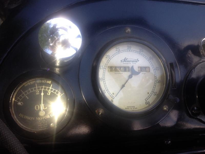 1915 Hudson Speedometer and Oil Pressure Guage.jpg