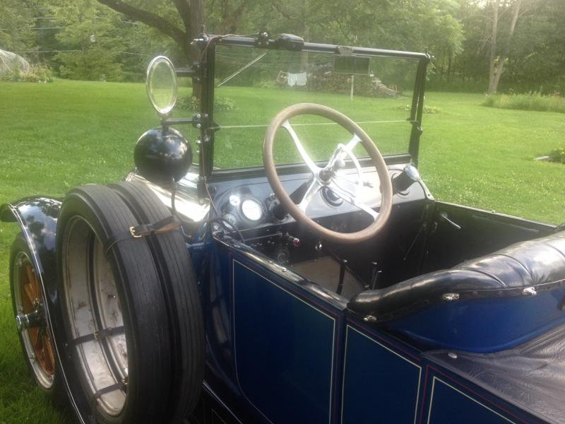 1915 Hudson Dash and Wheel.jpg