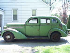 36 Dodge 4dr TrSed - Avon Green - Left - shatar4 - SE MI.jpg