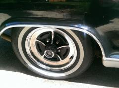 Original rims keep the car looking stock
