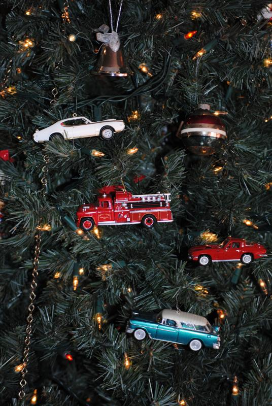 Ornaments,_Christmas_2011_003.JPG