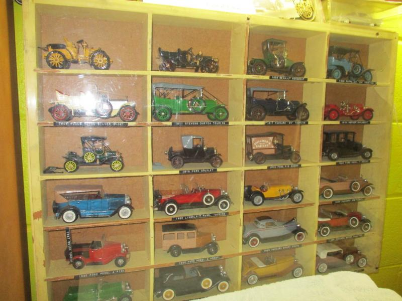32nd Scale Model Car Collection - pic1_Easy-Resize.com.jpg