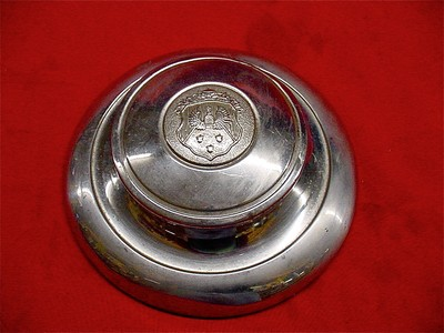 1931 OLDS WOOD WHEEL HUB CAP.jpg