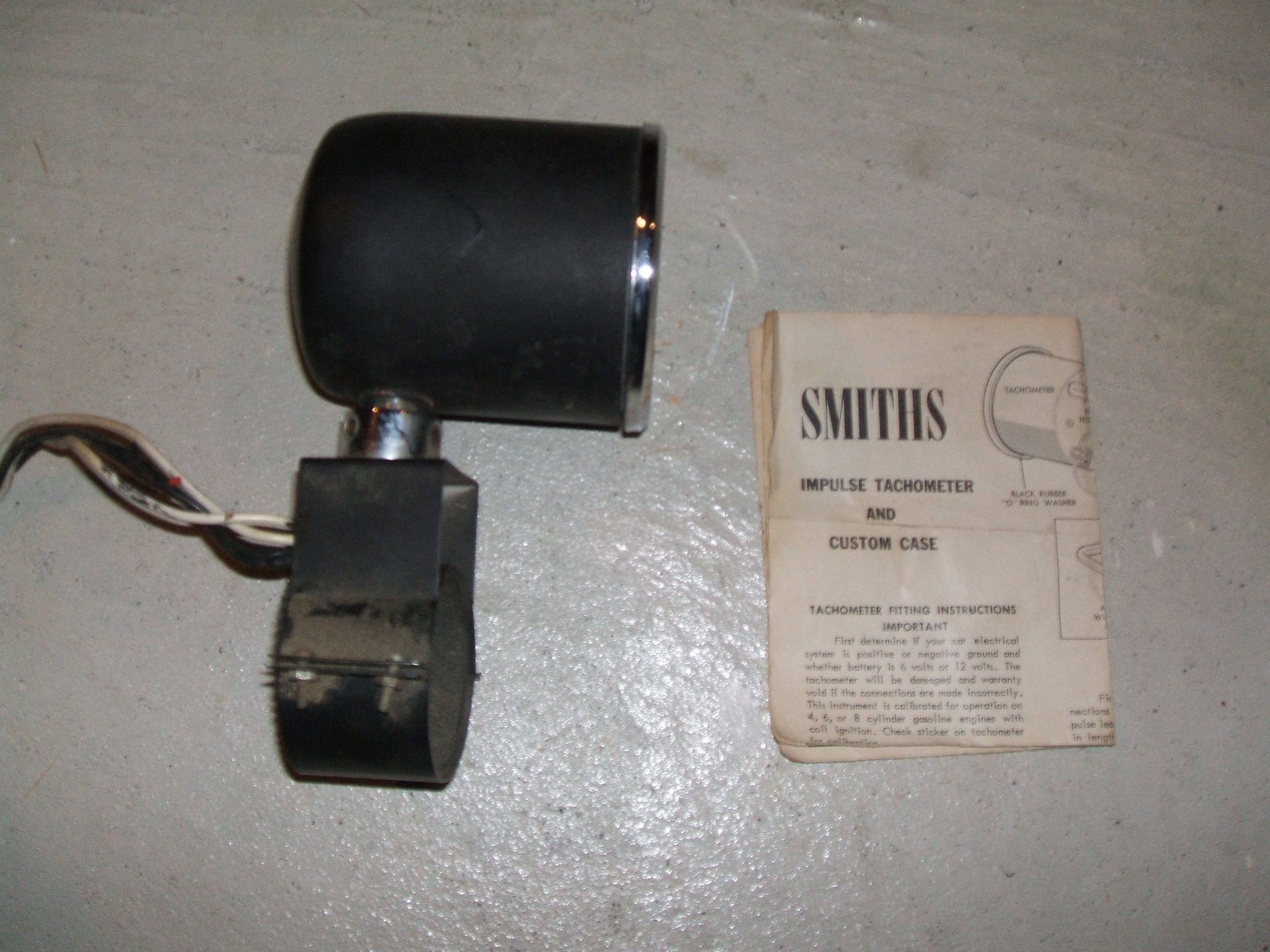 For sale - Vintage Smiths Tachometer 6 & 12 volt - Cars For