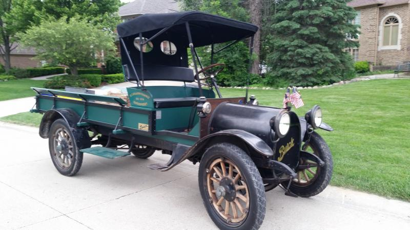 1915 Buick with new top right.jpg
