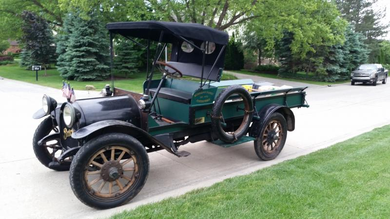 1915 Buick with new top left.jpg
