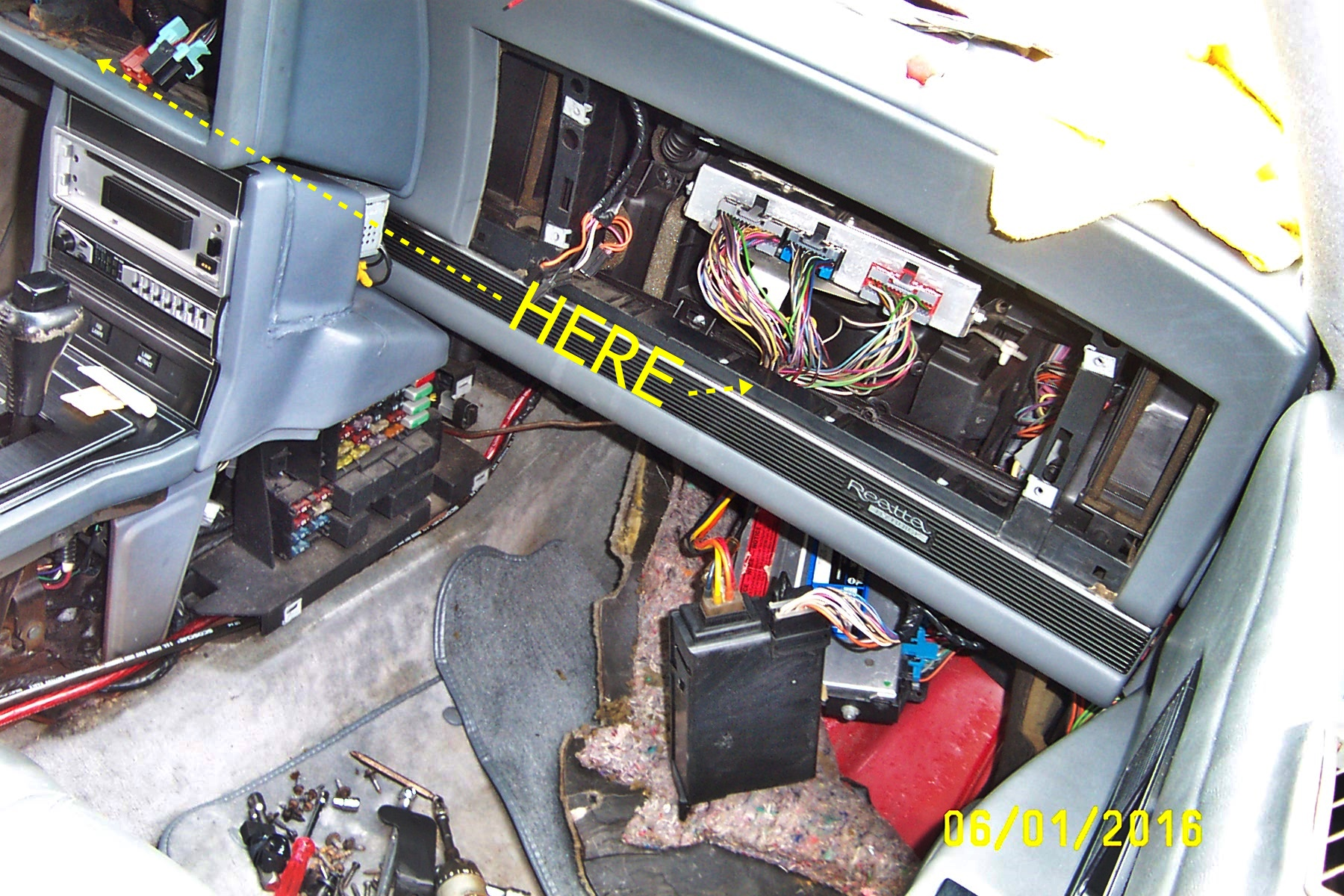 1989 Buick Reatta Fuse Box   Wiring Diagram on buick reatta door diagram, buick lesabre fuse box diagram, buick rendezvous fuse box diagram, buick enclave fuse box diagram, buick roadmaster fuse box diagram, buick century fuse box diagram,