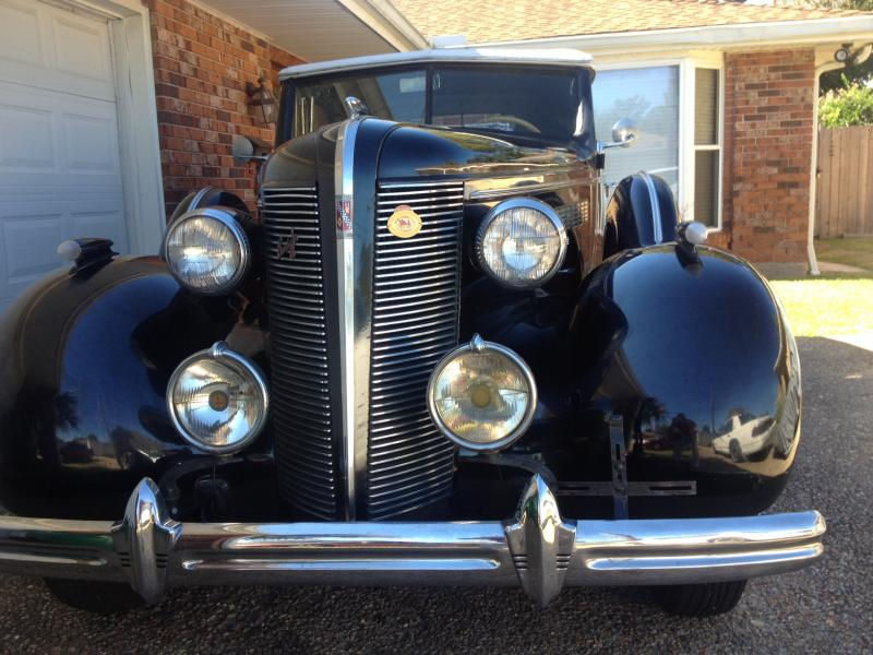 1937 Buick Front and Center.JPG