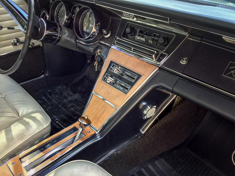 Riviera Front Console View.jpg