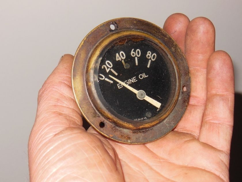 brass era oil pressure gauge.jpg