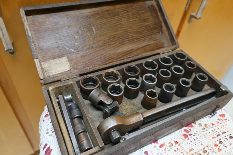 Vintage socket set 001.JPG