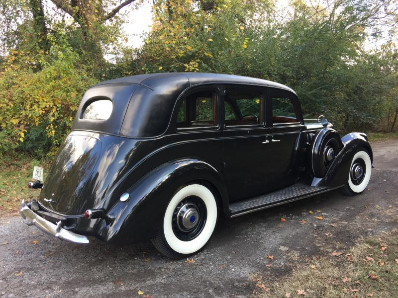 1937 Lincoln Willoughby.JPG