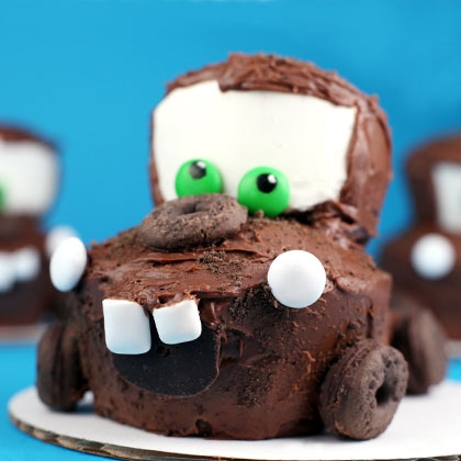 tow-mater-cupcake-recipe-photo-420x420-bakerella-10_img_8833.jpg